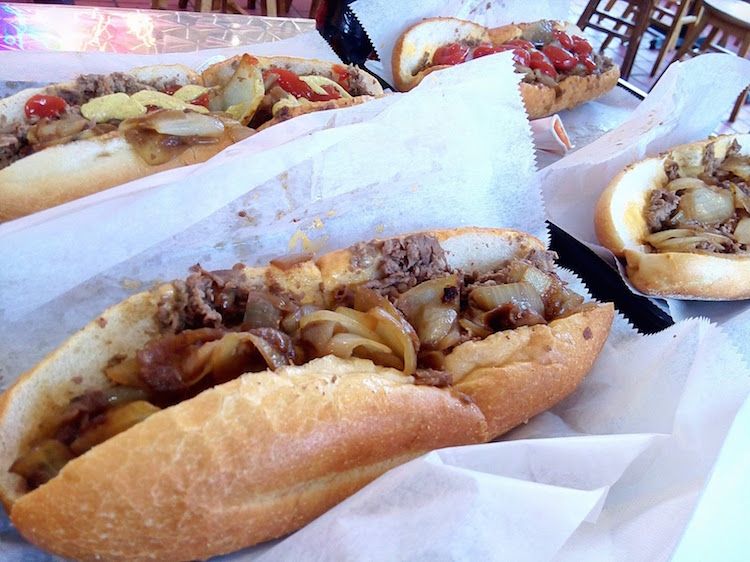 Napokon i originalni 'Philly Cheesesteak' u Philadelphiji!
